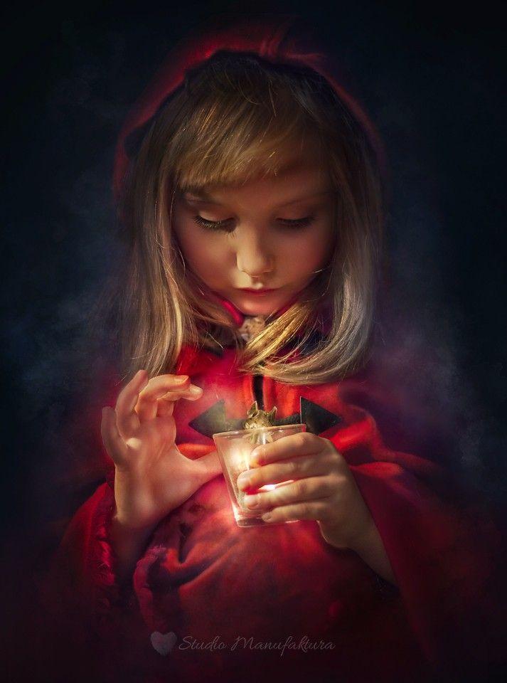 Photograph Red Hood by Agnieszka Filipowska on 500px