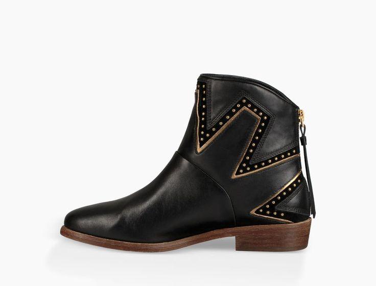 LARS UGG Boots in black