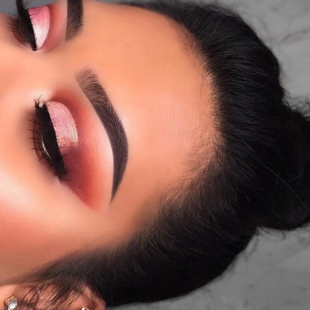 #anastasiabrows @irais.bn BROWS Granite Brow Powder & Clear Brow Gel GLOW: #NicoleGuerrieroGlowKit ---------------------------------------------- BLUSH: ABH Blush Trio in Berry Adore ----
