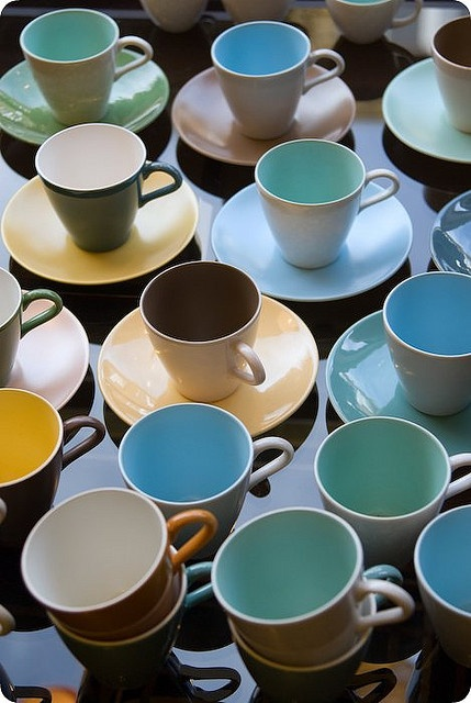 from .sam.antha. on flickr http://www.flickr.com/photos/studiosam/ twotone poole pottery i think. : Colors Patterns, Ceramics Pottery, Tone, 2013 12 9Sその五 配色, Colorful Teacups, Coffee, Beach, Furniture