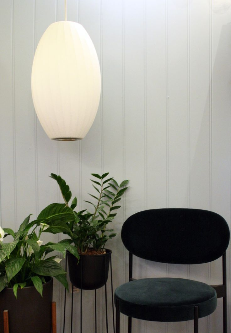 Bubble lamp Cigar, Wire pot and Panton chair 430