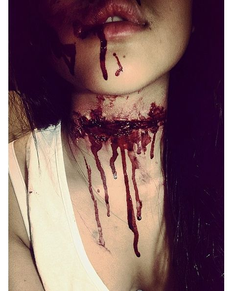 @vivsfx  Slit Throat; made using mehron scar wax & gel blood  Submit your photo for a shout out check out the link in my profile!  #halloweencostumez #mua #sfx #specialfx #specialfxmakeup #specialfxfun #sfxmakeup #mehron #cosmetics #scarwax #fakeblood #powdah #chop #arm #sfxmua #beginner #follow #gore #vivsfx #chopped #cut #gore #bruised #makeupfun by halloween_costumez