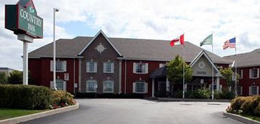 The Country Inn Oakville is approximately 18 miles from the Toronto Pearson International Airport. The hotel is about 20 miles from Toronto and 36 miles from Niagara Falls, NY. A complimentary continental breakfast is included the room rate. The hotel also offers copy and fax services, guest laundry facilities, laundry valet, wake-up calls, and complimentary parking.