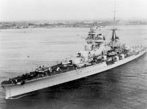 """R.N. """"Pola"""", incrociatore pesante classe Zara."""