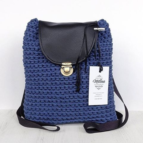 Как и обещала, показываю Вам рюкзачок из пряжи Лента цвета синий меланж. Одел джинсики, закинул на плечо рюкзачишко и вперед! Осматривать достопримечательности)) Этот прекрасный меланжевый красавец - дело рук Елены  @milena_jewel , которая не перестает радовать нас своими свершениями!