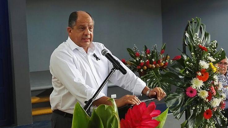"""Dan """"trámite rápido"""" a recurso de amparo contra el presidente Solís"""
