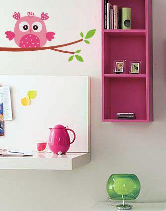 """Наклейка на стену """"Розовая сова"""" станет замечательным другом вашему ребенку, защищая от всяких страшных монстров. А к веточке можно приделать крючки и она послужит оригинальной вешалкой :)"""