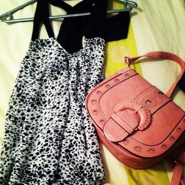#OOTD from a customer that shopped @ #YDE , #Handbag is ours, also available in light tan and beige