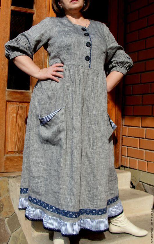 По просьбе моей заказчицы я сшила платье с втачным рукавом.