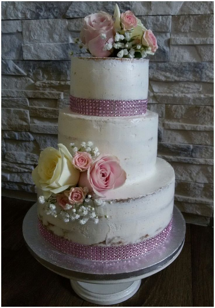 Naked cake with rose