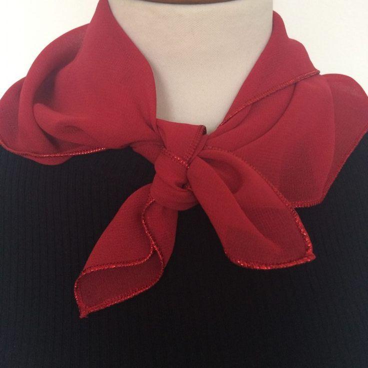 rode bandana met glitterrand - new online - 4leafs4joy - tabblad shawl - 54x54 cm - 100% Polyester - handwas - voor de feestdagen - FW17/18