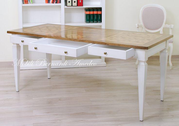 Tavolo scrittoio in legno massello finitura bicolore con piano in noce intarsiato. Bicolor desk with walnut inlayed top 180x80 cm.