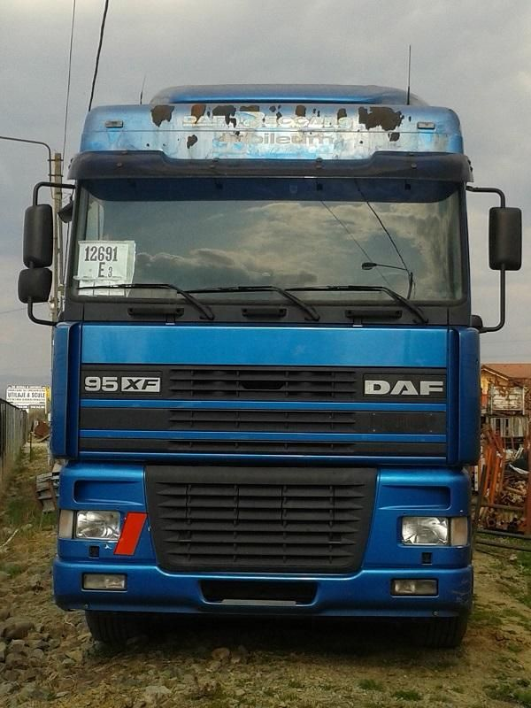 For sale Tractor DAF 95XF530 Second Hand. Manufacture year: 2000. Mileage: 650000 km. Very good working condition. Ask us for price. Reference number: AC1555. Second Hand. Baurent Romania.