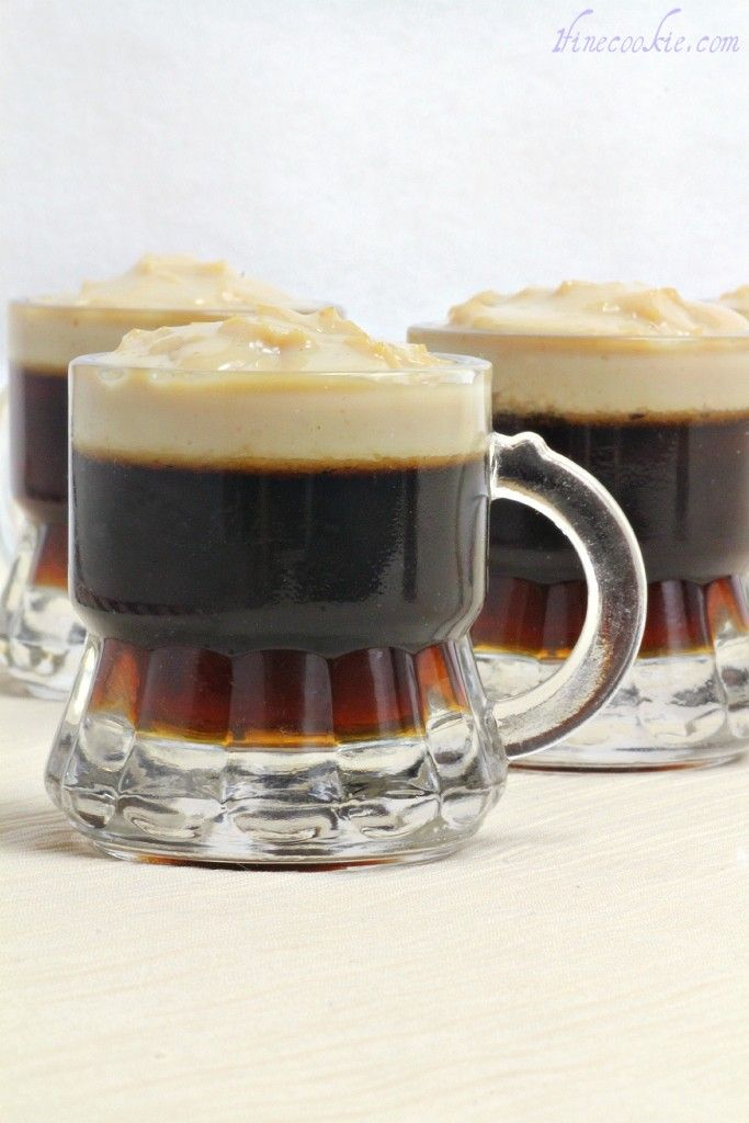 Beer Jello Shots. Guinness for Saint Patty's Day, or Regular for Whenever. In Tiny Beer Mugs With Tiny Foam Heads. OMG    www.1finecookie.c... Vappua odotellessa!