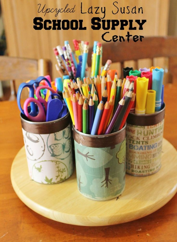 this is perfect to organize my desk with! Plus this upcycled school supply caddy would make a great teacher gift too