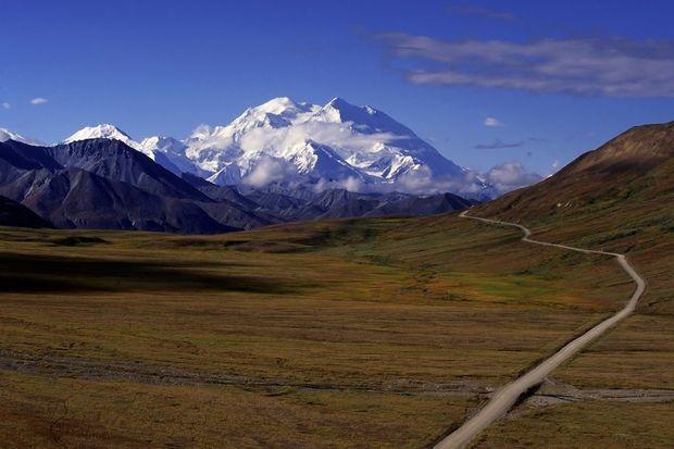 Van de Rocky Mountains in Canada tot de Zijderoute in Azië en van de steppen in Mongolië tot de Schotse Hooglanden: 50 niet te missen autotochten.
