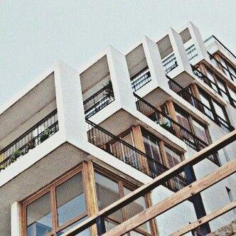 La arquitectura neoplasticista independiza el concepto de for El concepto de arquitectura