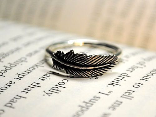 """""""leaf ring, so cute *-*"""" <- that's a feather, you idiot."""
