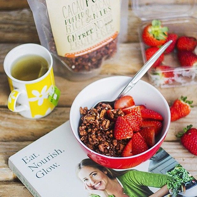 Enjoy your winter mornings with a bowl of #CacaoPops, fresh fruit and a cuppa tea. Photo via @pheebsfoods ☺ #freshnessfinefoods