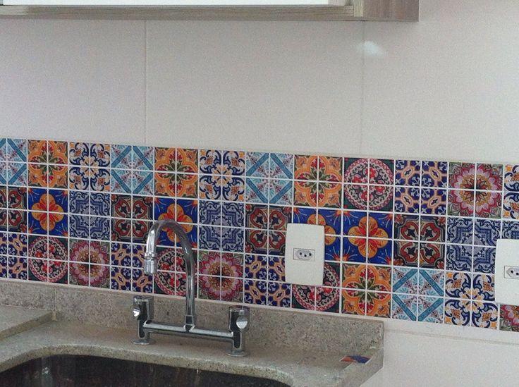 25+ melhores ideias sobre Pastilhas adesivas para banheiro no Pinterest  Pas -> Armario De Banheiro Ferreira Costa Salvador