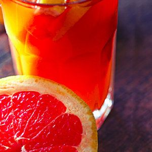 For a healthy drink that tastes way better than a commercial diet grapefruit soda, and is all natural, one has to look no further than this grapefruit soda recipe.