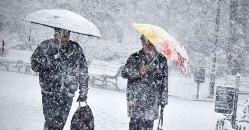 Afyon'da mevsimin ilk karı yağdı