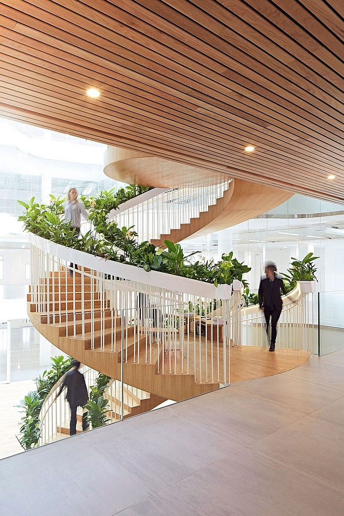 A New Twist: Paul Cocksedge Designs A Living Staircase In London