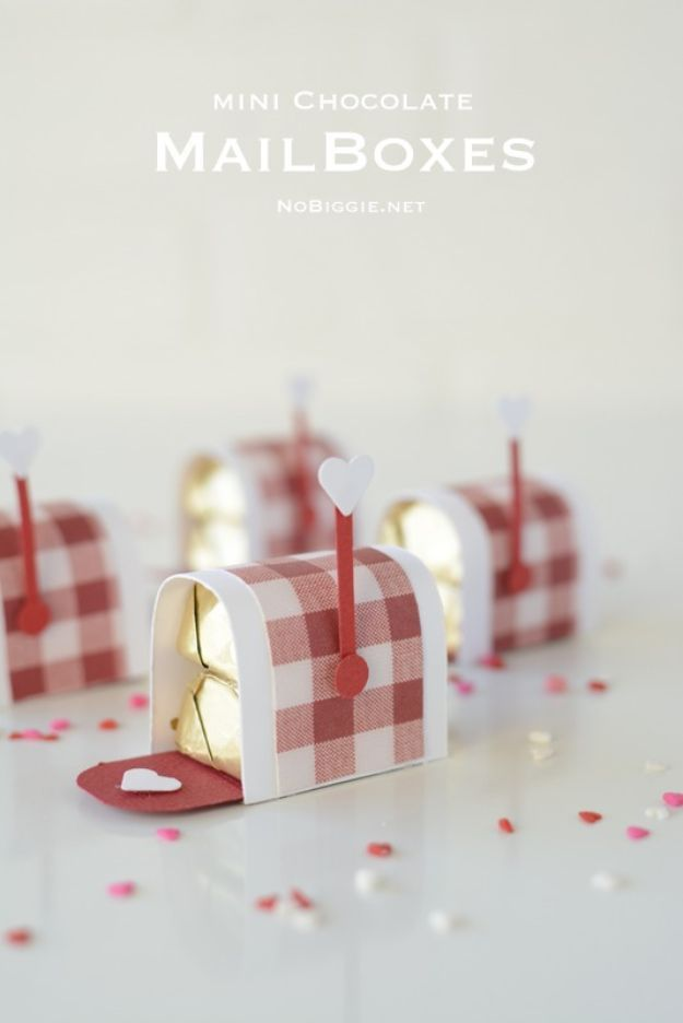Mini Chocolate Mailboxes Sewing Ideas Valentines Diy