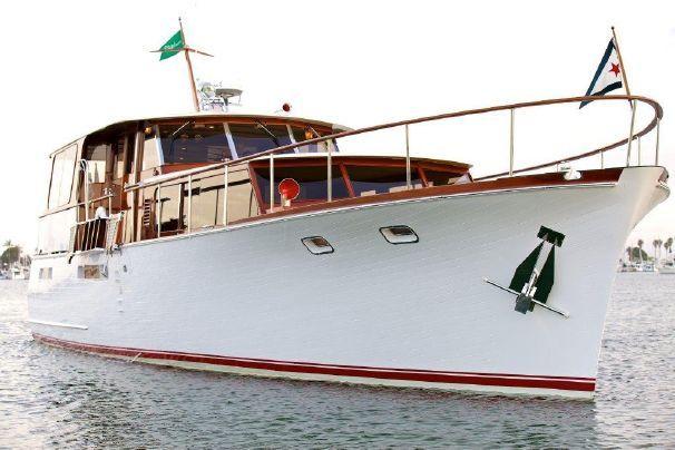89 besten chris craft motor yachts bilder auf pinterest chris craft schiffe und holzboote. Black Bedroom Furniture Sets. Home Design Ideas