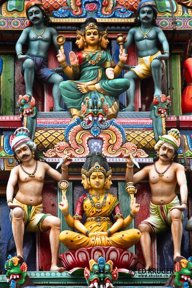 The Sri Mariamman Temple is Singapore, China's oldest Hindu temple. It is an agamic temple, built in the Dravidian style.