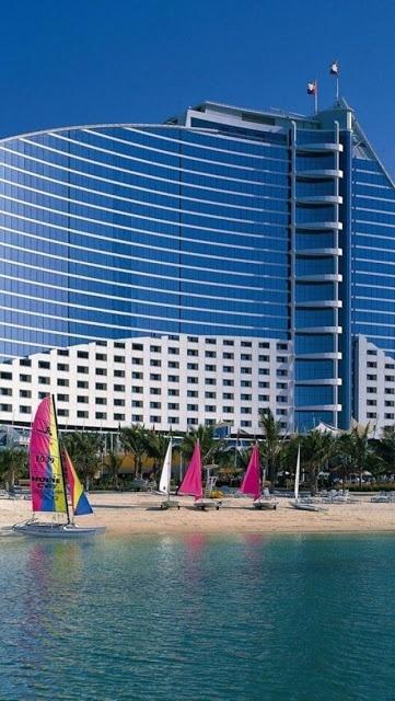 Amazing snaps jumeirah beach hotel dubai arquitectura for Beautiful hotels in dubai