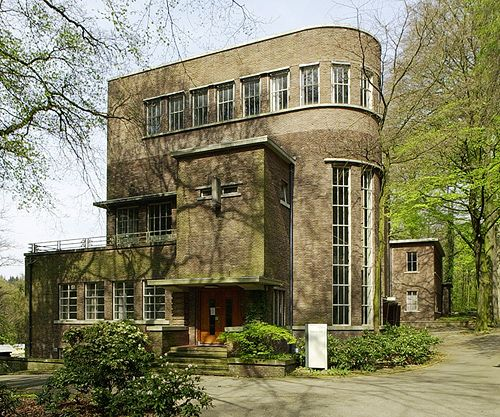 House in 'Haagse School' style, approx 1925-1940, in Arnhems Buiten neighbourhood, the Netherlands