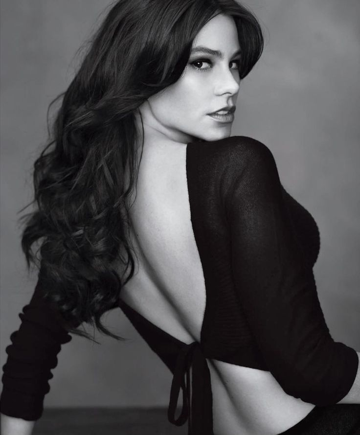 Sophia Vergara - Beautiful Women with Long Hair #BARrioCentral #Cafe #Bar