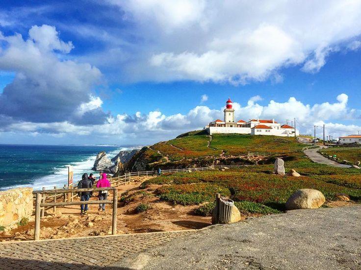 O Cabo da Roca é o ponto mais ocidental de Portugal continental, assim como da Europa continental. Situa-se na freguesia de Colares, concelho de Sintra e distrito de Lisboa.