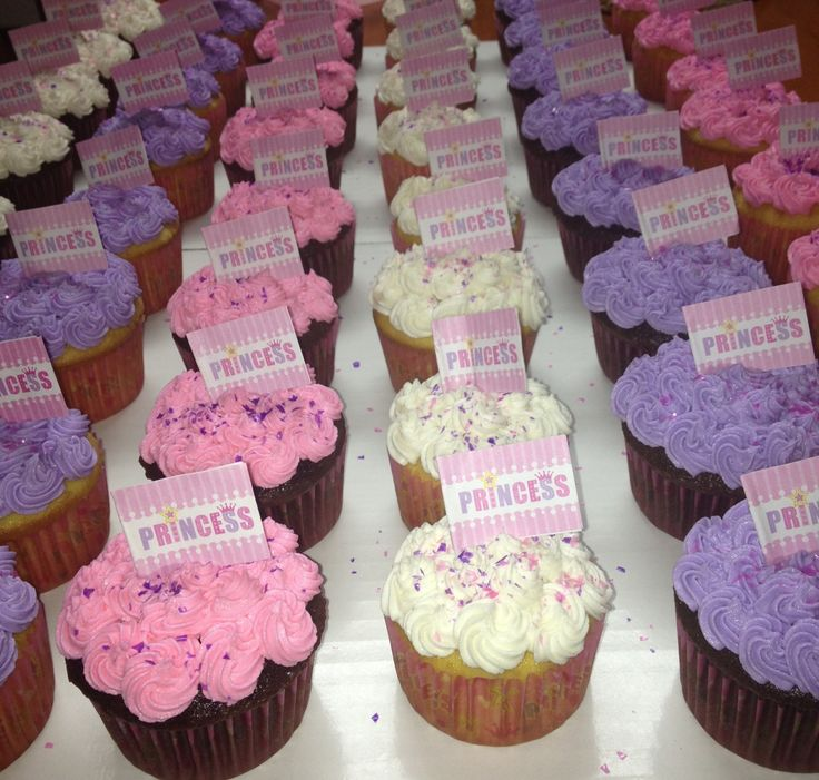 Pink and purple cupcakes to match the giant cupcake