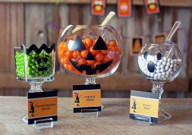 Dollar store bowls and candlesticks!: Halloween Parties, Dollar Stores, Halloween Candy, Parties Ideas, Halloween Treats, Candy Dishes, Jars, Halloween Ideas, Bowls