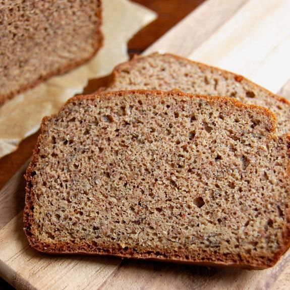 How to Make Homemade Paleo Sandwich Bread | Paleo Grubs #paleo #paleodiet #paleofriendly #paleorecipes #paleocooking