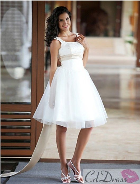 Stunning A-line Scoop Sleeveless Satin Tulle Knee-length Beach Wedding Dress