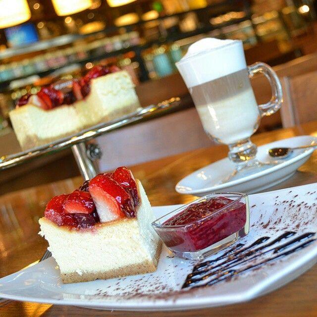Kırmızı Meyveli Cheesecake - Funda Cafe Patisserie / Ankara ( G.O.P, Yaşamkent, Aşti, G.O.P Classy )