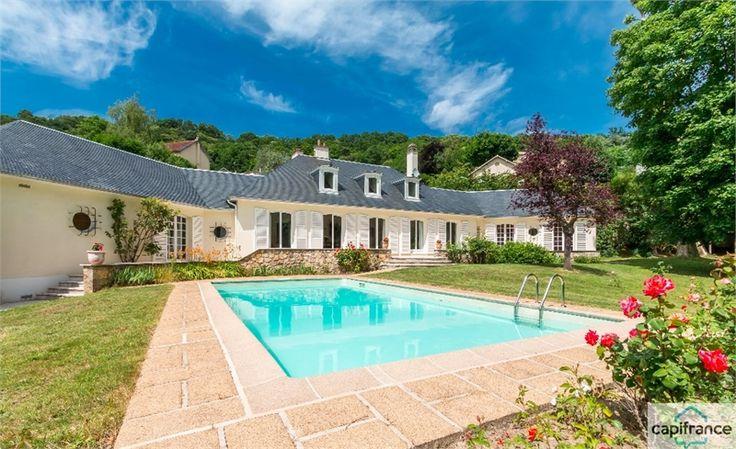 Jolie maison à vendre chez Capifrance à Bievres.     > 415 m², 8 pièces dont 6 chambres.     Plus d'infos > Bruno Canac, conseiller immobilier Capifrance.
