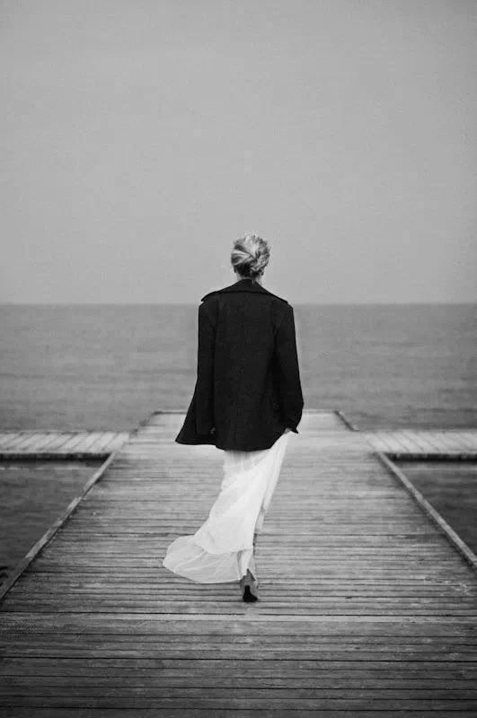 The thought pierced her that in the end the Shadow was only a small and passing thing: there was light and high beauty for ever beyond its reach... (inspired by J.R.R. Tolkien)   Ph. Allegra Villella v