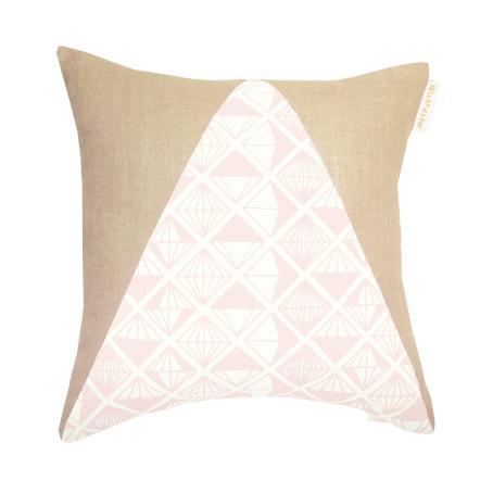 Pyramid Pink Diamond