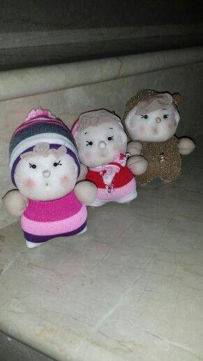 Bambole con calze.