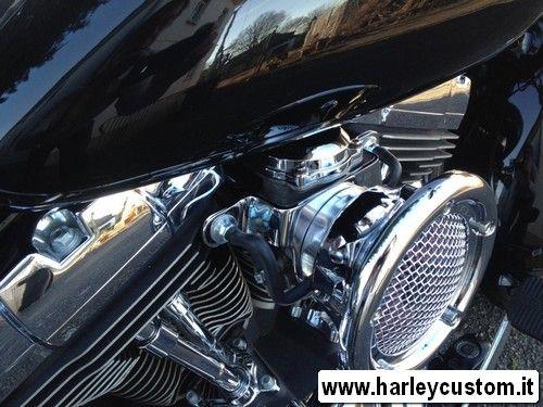 Vendita online ricambi e accessori moto custom e Harley Davidson, telaietti,borse,fari,tagliando,caschi,piastre,manubri,frecce,pneumatici