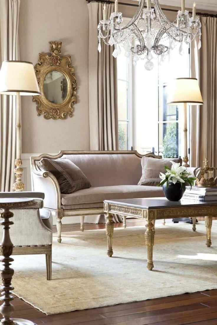 Barocke Dekoration des Wohnzimmers für ein luxuriöses