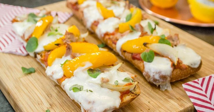 Het lievelingsgerecht van Laura Tesoro: ciabatta pizza's met tonijn mozzarella en tomatensaus