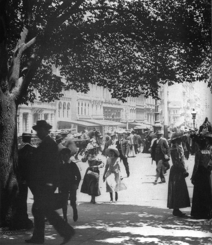 Swanston St, Melbourne 1912 photo, found on http://www.walkingmelbourne.com/forum/viewtopic.php?t=413#