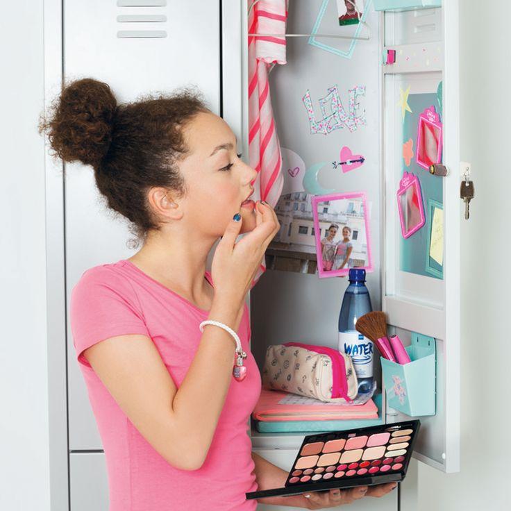 Even optutten in een handomdraai, het kan met de nieuwe HEMA locker accessoires en handige beauty paletjes.