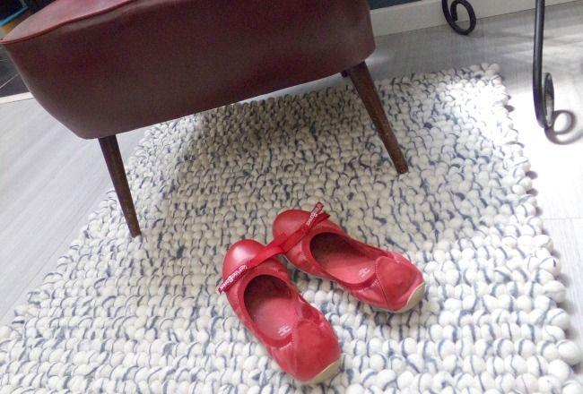 Chez @cocondedecoration aussi on aime le tapis de boules. Surtout lorsqu'il est ivoire et gris !