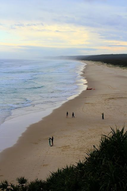 Nth Stradbroke Is: Enjoy a sunset drink at the Surf Club Bar, Point Lookout Surf Lifesaving Club, Kennedy Drive, overlooking Main Beach, Pt Lookout. A great place to kick back and relax.